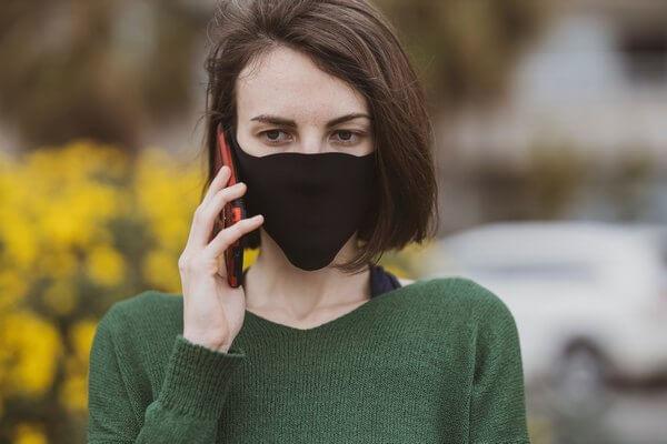 медицинская маска во время карантина